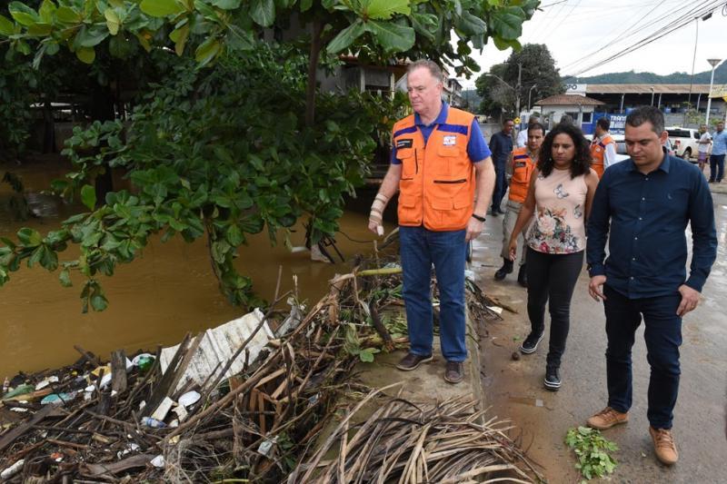 Governador visita locais afetados pelas chuvas em Santa Leopoldina, Viana e Cariacica - Jornal Pérola Capixaba