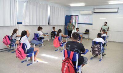 Alunos da rede municipal retornam às aulas presenciais na quarta feira (12)