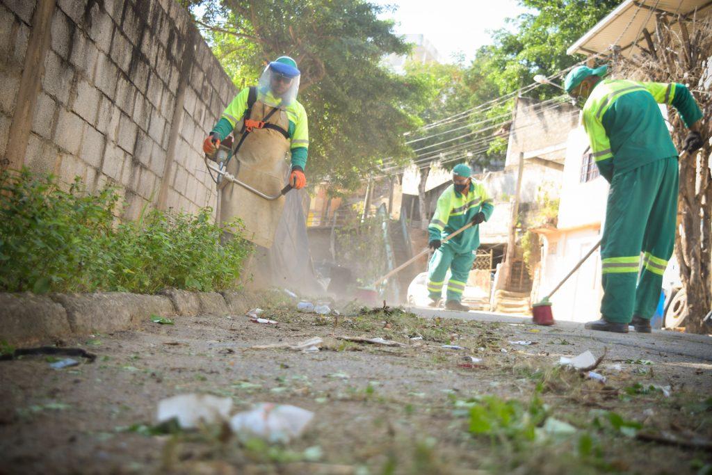 Mutirão de limpeza leva serviços a quatro bairros de Cachoeiro