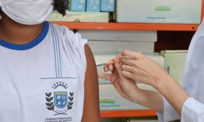 Cachoeiro realiza vacinação contra a Covid 19 em escolas municipais
