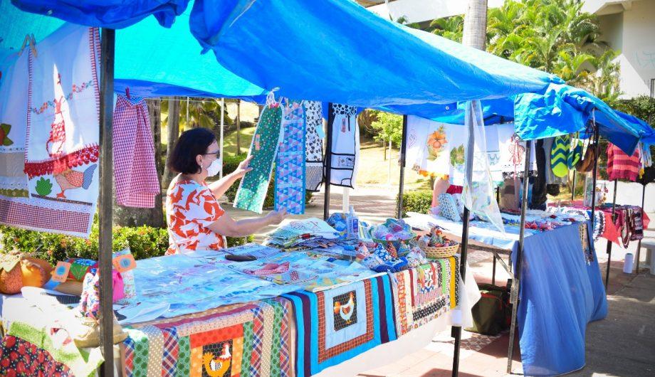 Feira quinzenal de artesanato na praça Jerônimo Monteiro segue até sábado (25)